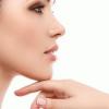 Çene ucu estetiği ameliyatlarında genelde iki yöntem uygulanır. Bunlardan birincisi kişinin kendi vücudundan elde edilen kök hücreden zengin yağ enjeksiyonu uygulamasıdır...